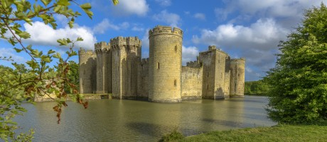 Although some organizations may rely on castles, moats and other perimeter defenses to keep threats out, the more modern enterprises are moving forward with an immune system approach. This may be more in touch with the advanced threats of today.