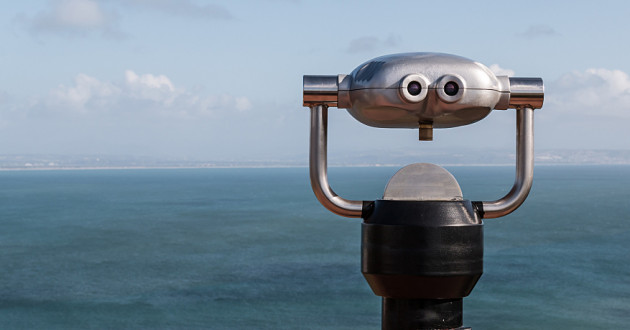 A coin-operated set of binoculars overlooking the horizon: SIEM