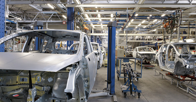 An automotive manufacturing plant: industrial IoT